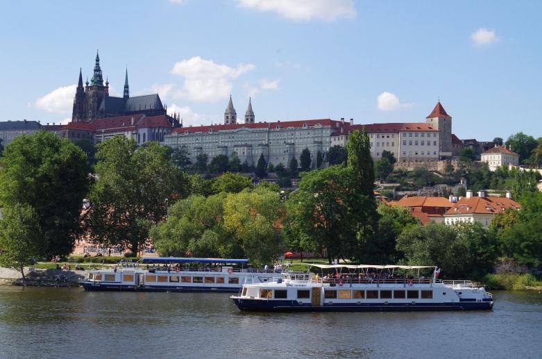 На кораблике по Праге