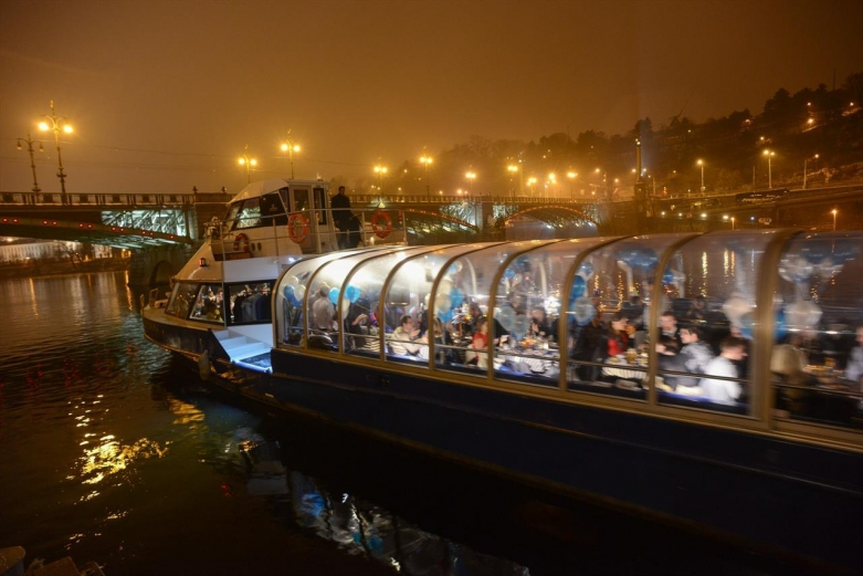 Ужин  на панорамном корабле
