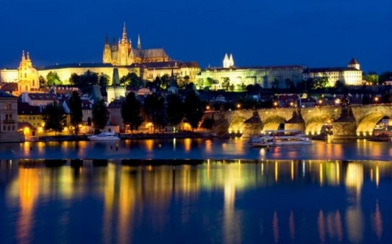 Ужин на кораблике в Праге